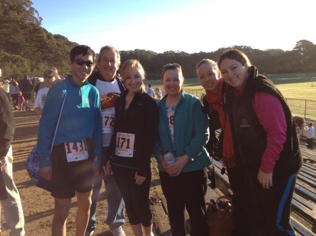 The whole family out for a turkey trot!