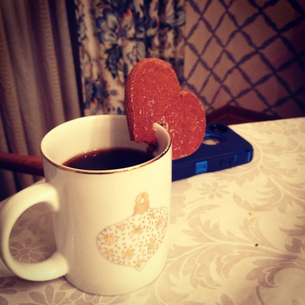 Love the gingerbread cookie shaped to hang over the coffee mug